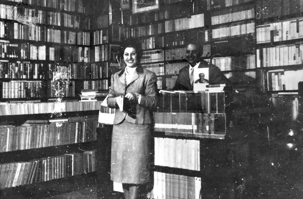 I coniugi Tina e Rosario Mascali nel 1962 in libreria