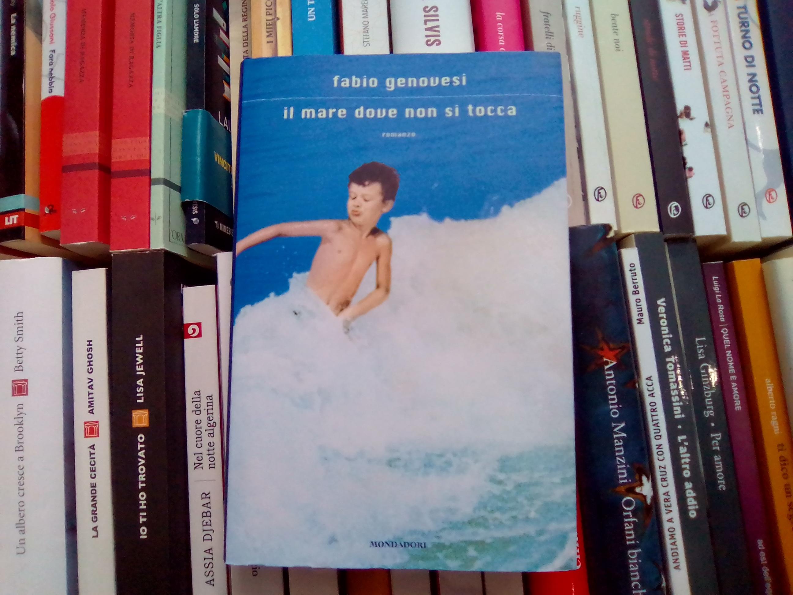 Il mare dove non si tocca casa del libro for Porta a libro non si chiude