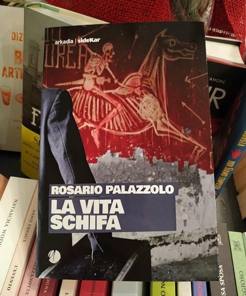 Novità in libreria: La vita schifa